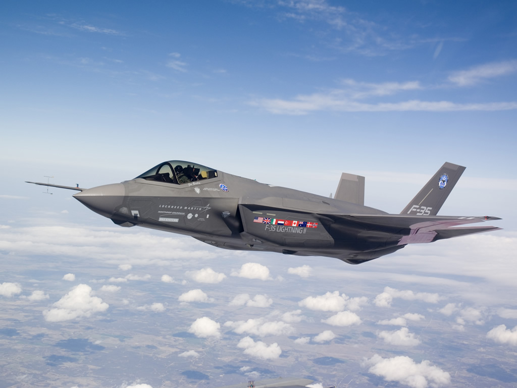 AIR_F-35A_AA-1_Test_Flight_lg