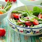 Trucchi, consigli ed errori da evitare per preparare gustose insalate