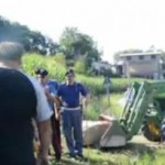 E' in corso la distruzione del secondo campo di mais Ogm. Video