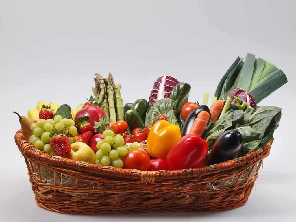 Paradossi tutti frutti niente frutta ieri e oggi lo strano pasto dell uomo cateringveg for Cesto di frutta disegno