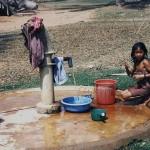 Acqua è vita: L'emozione nel bere acqua pulita per la prima volta nella vita.