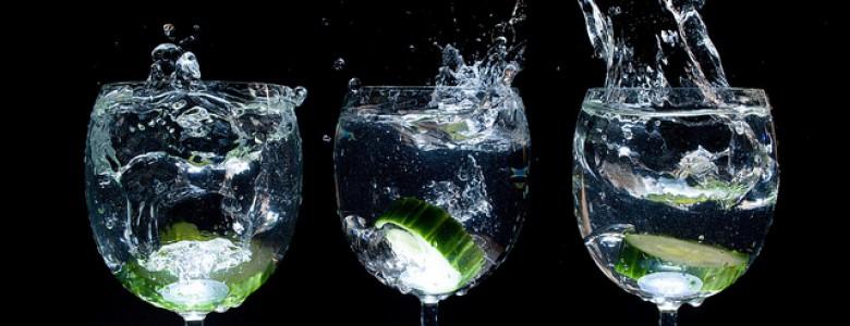 bere-acqua-prima-dei-pasti-fa-dimagrire-780x300